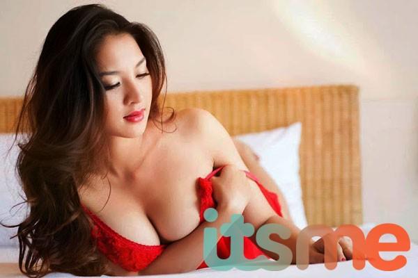 Những lý do khiến đàn ông thích sờ ngực phụ nữ